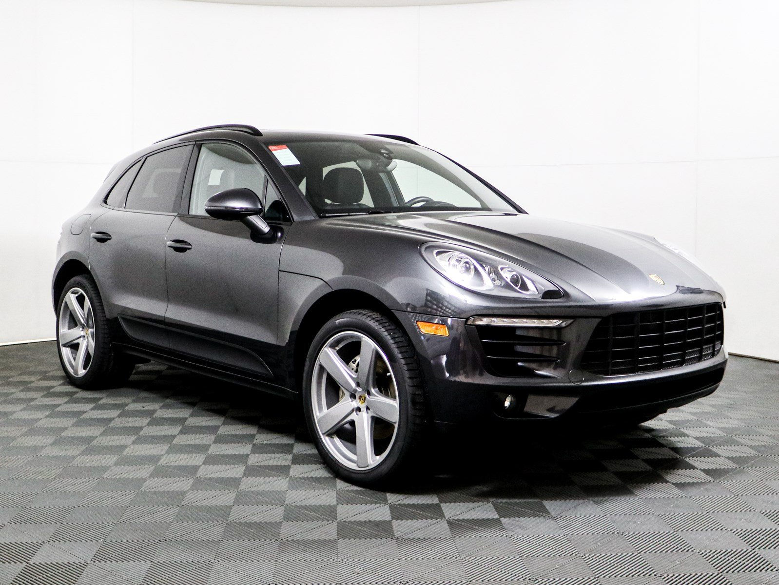 Pre Owned 2017 Porsche Macan S Suv In Riverside 8214up Walter S Mercedes Benz Of Riverside