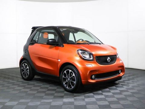 Pre-Owned 2017 smart SMT fortwo cabriolet